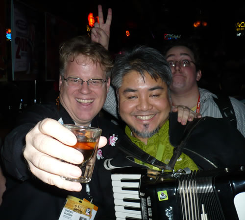 Robert Scoble and Joey deVilla, drunk at Mooseknuckles bar in Austin at SxSW 2008