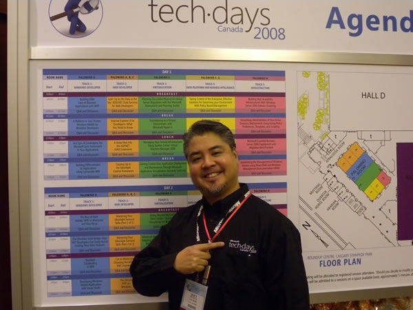 Joey deVilla at TechDays 2008 calgary wearing a Microsoft shirt