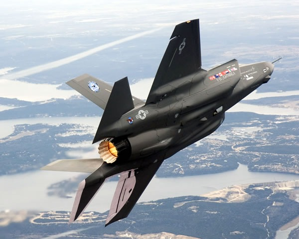 F-35 Lightning II fighter plane