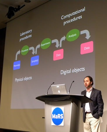 "Cameron Neylon and his ""Physical objects / Digital objects"" slide at Science 2.0"