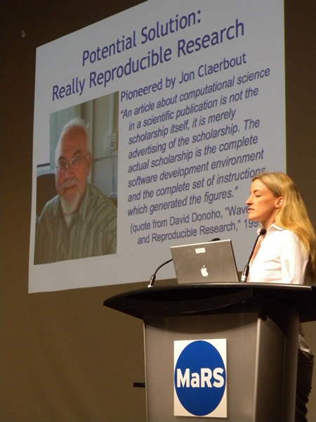 "Victoria Stodden and her ""Really Reproducible Research"" slide"
