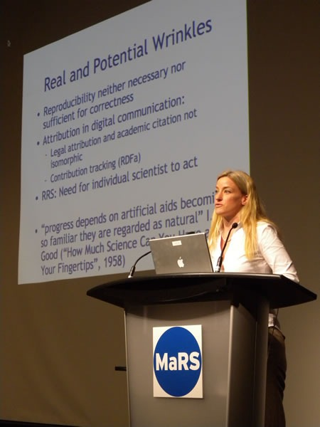 "Victoria Stodden at the Science 2.0 conference and her ""Real and Potential Wrinkles"" slide"