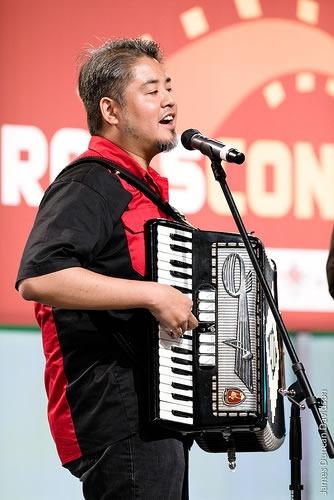 joey-devilla-on-accordion-at-railsconf-2007