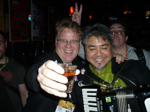 scoble_and_accordion_guy