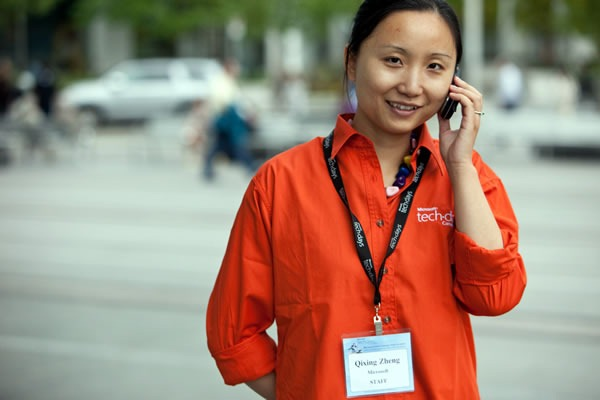 QIxing Zheng in her TechDays 2009 orange speaker shirt