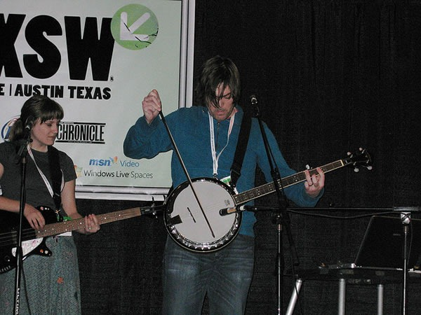 """why the lucky stiff"" playing banjo with a violin bow at SXSW"