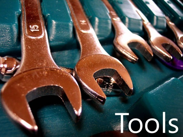 Set of wrenches: Tools