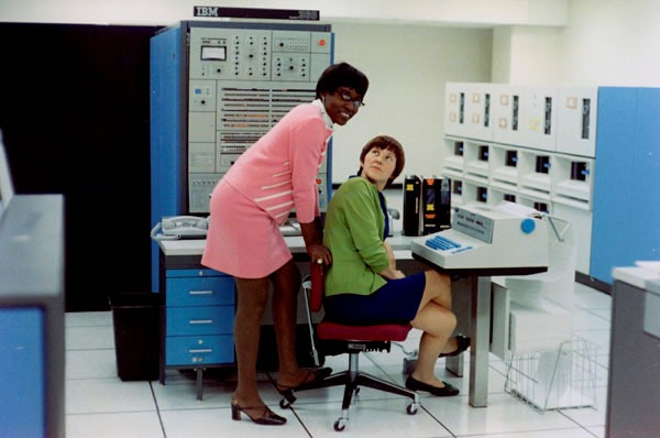 Two women computer operators at Bell Labs in the late 1960s