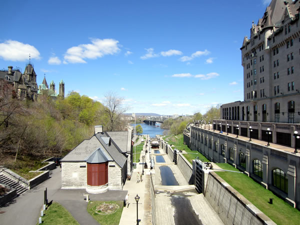 The Rideau Canal, as seen looking north from the Rideau Street bridge