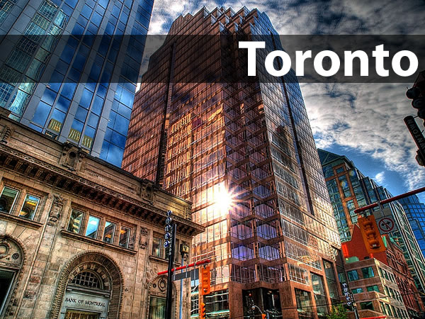 Toronto: Photo of downtown Toronto buildings