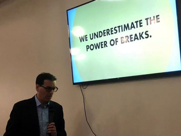 "Daniel Pink and slide: ""We underestimate the power of breaks"""